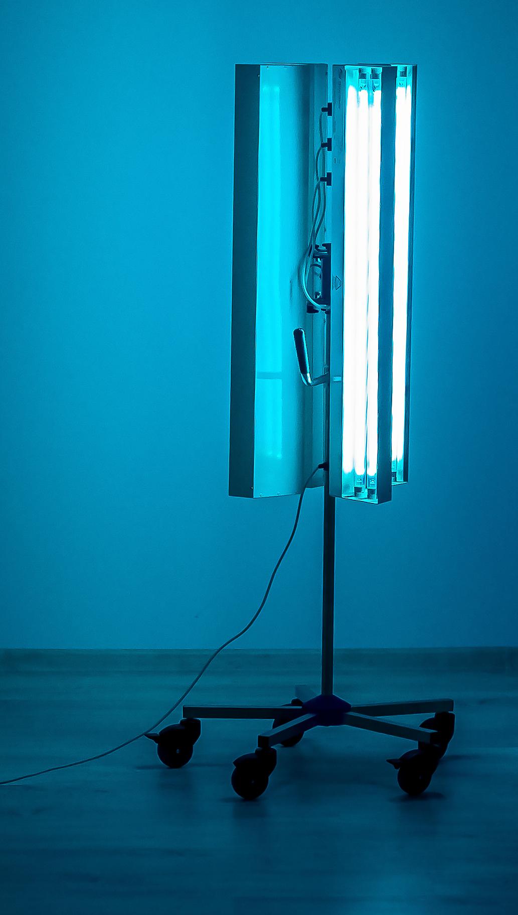 lampa cu 3 brate aprinsa-1