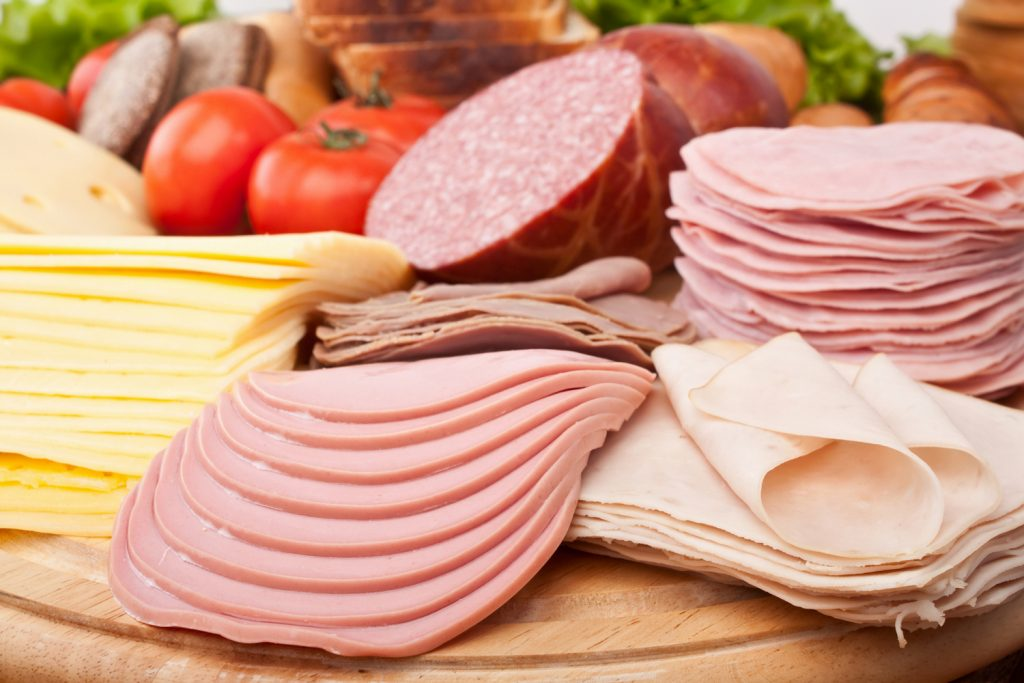 Toxiinfectia alimentara: ce bacterii o provoaca si cum ne protejam